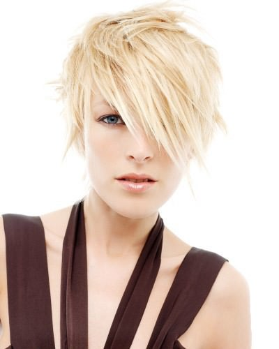 short-hairstyle-ladies-layered-fringe-cut new styles