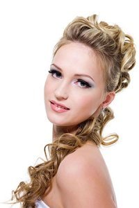 curly-prom-hairstyle