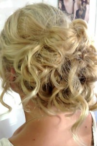 bridal-and-wedding-hair-set-up
