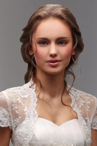 2014-hair-trends-fashions-simple-classic-wedding-bridal-hair-style-ladies