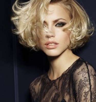 sexy-short-messy-hairstyle
