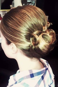blonde-set-hair-wedding-bridal